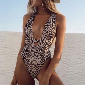 🐆Sexy Leopard Deep-V Bandage Swimsuit!!